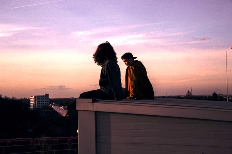 Двое на крыше
